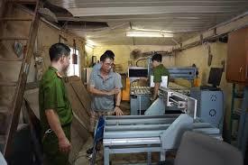 Một cơ sở sản xuất máy lọc nước giả bị đoàn chức năng bất ngờ kiểm tra