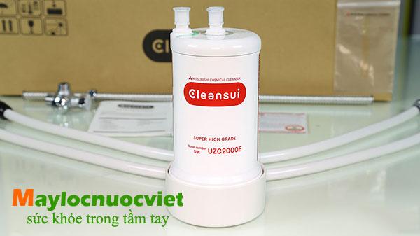 Hộp thiết bị có đi kèm cuốn hướng dẫn sử dụng bằng tiếng Việt.
