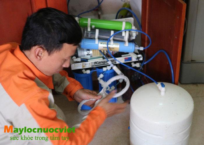 Hướng dẫn chi tiết Cách bơm bình áp máy lọc nước Ro